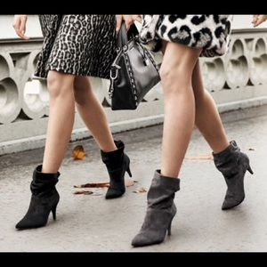 Michael Kors🎀 Carey Ankle Boots Black Leather 6.5